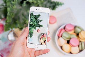 Smartphone Flat Lay Macarons  - Nietjuh / Pixabay