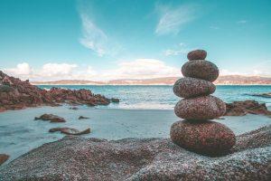 Rock Balancing Stone Balancing  - vjgalaxy / Pixabay